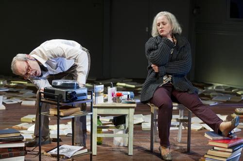 Marcel Hensema en Carola Arons in 'De Muurspecht'  van Willem de Vlam